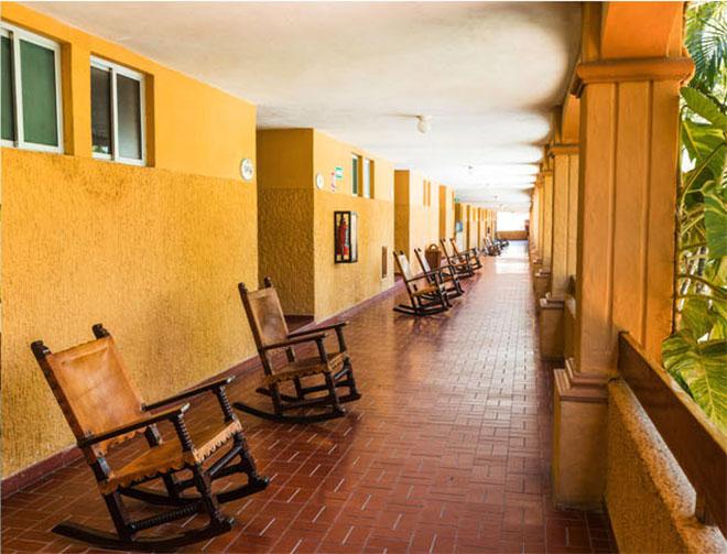 alberca frente al mar costa oro hotel mazatlan